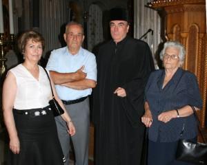 Ο Ιωάννης Δαμαρλάκης με τη σύζυγο και τους γονείς του